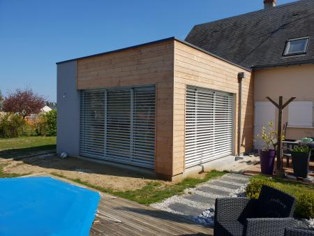 Extension contemporaine en bois